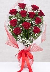 11 kırmızı gülden buket çiçeği  İstanbul Üsküdar 14 şubat sevgililer günü çiçek